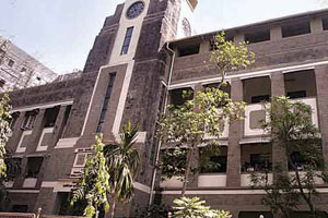 RA Podar College of Commerce & Economics