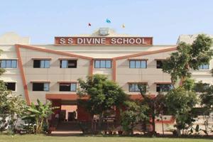 S S Divine School